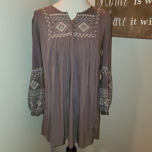 Monoreno Embroidered Boho Peasant Top Sz. Small